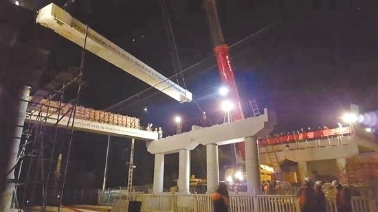 唐山轻轨至丰润图-政项目部负责的丰润区银河路上跨京哈铁路立交桥加固工程京哈线跨正