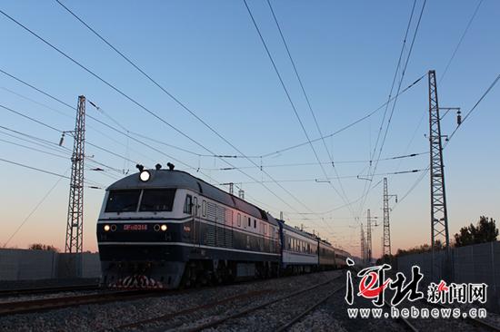 公司线路管段(丰润西站至唐海站)双线214公里进行检测,当日提速